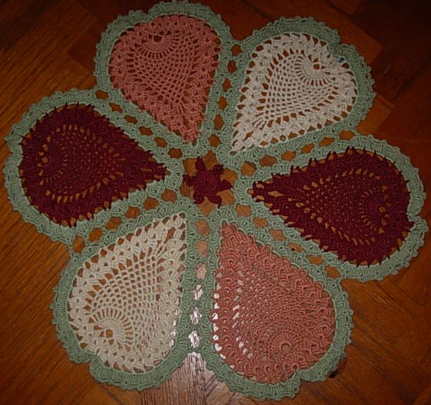 FREE CROCHET PATTERN FOR PINEAPPLE DOILY WITH MATCHING CANDLEHOLDER ...